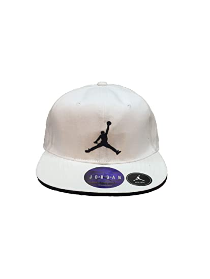 ff9aa416cbb Amazon.com  Nike Jordan Air Jordan Boy`s Snapback Cap  Sports   Outdoors