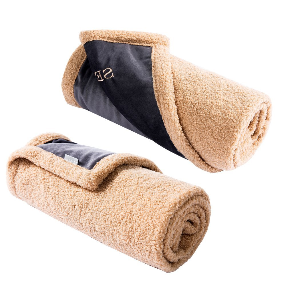SEPETTY Dog Cat Blanket, Dog Blankets Keep the Sofa Car Floor and Bed Clean ,Premium Soft Warm Sherpa Fleece Plush Warm Pet Bed.(25x37 inches)