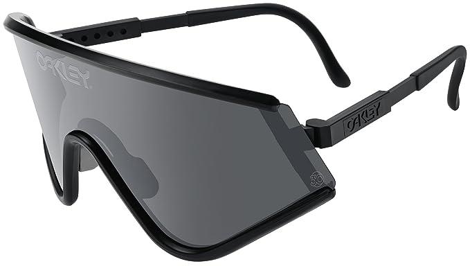 755daf59533 Oakley Eyeshade - Black Frame With Grey Lens -  Amazon.co.uk  Sports ...