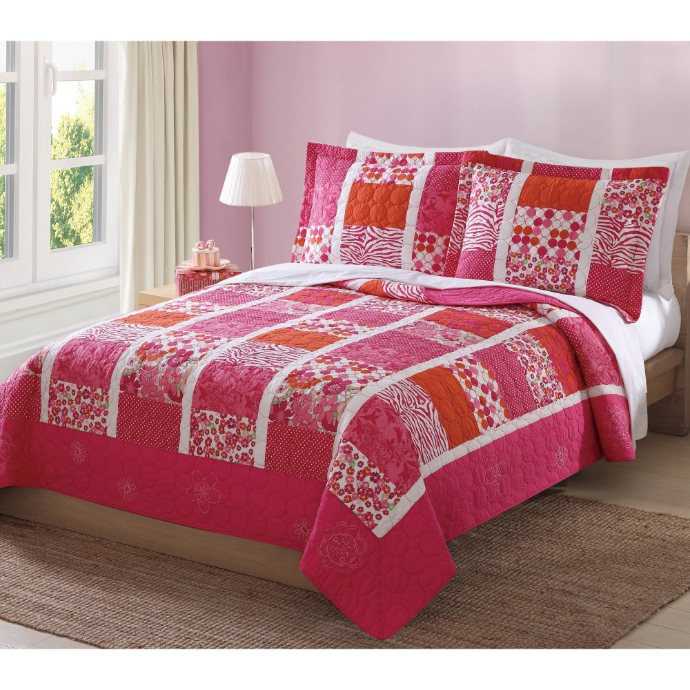 Mix of Flowers Full / Queen Quilt with 2 Shams