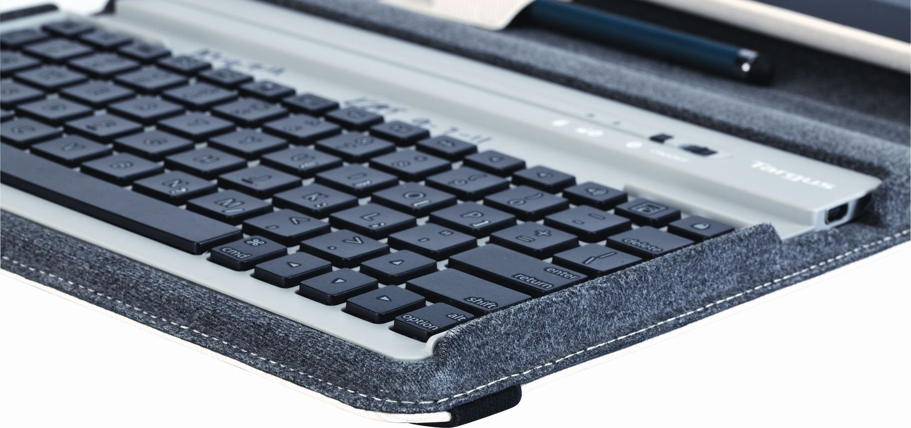 Targus Versavu Rotating Keyboard Case and Stand for iPad 3 and 4, Bone White (THZ171US) by Targus (Image #2)