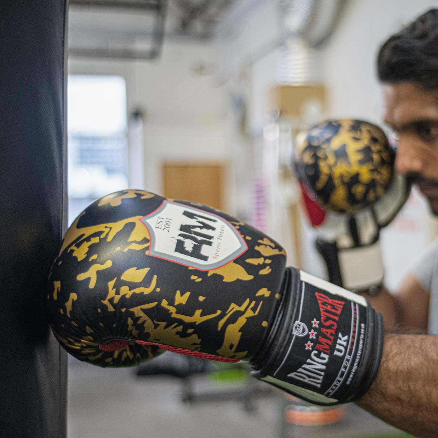 Black//Gold Patterned, 12 oz RingMaster Boxing Gloves Superfit Series Training Punch Bag Pads MMA Thai