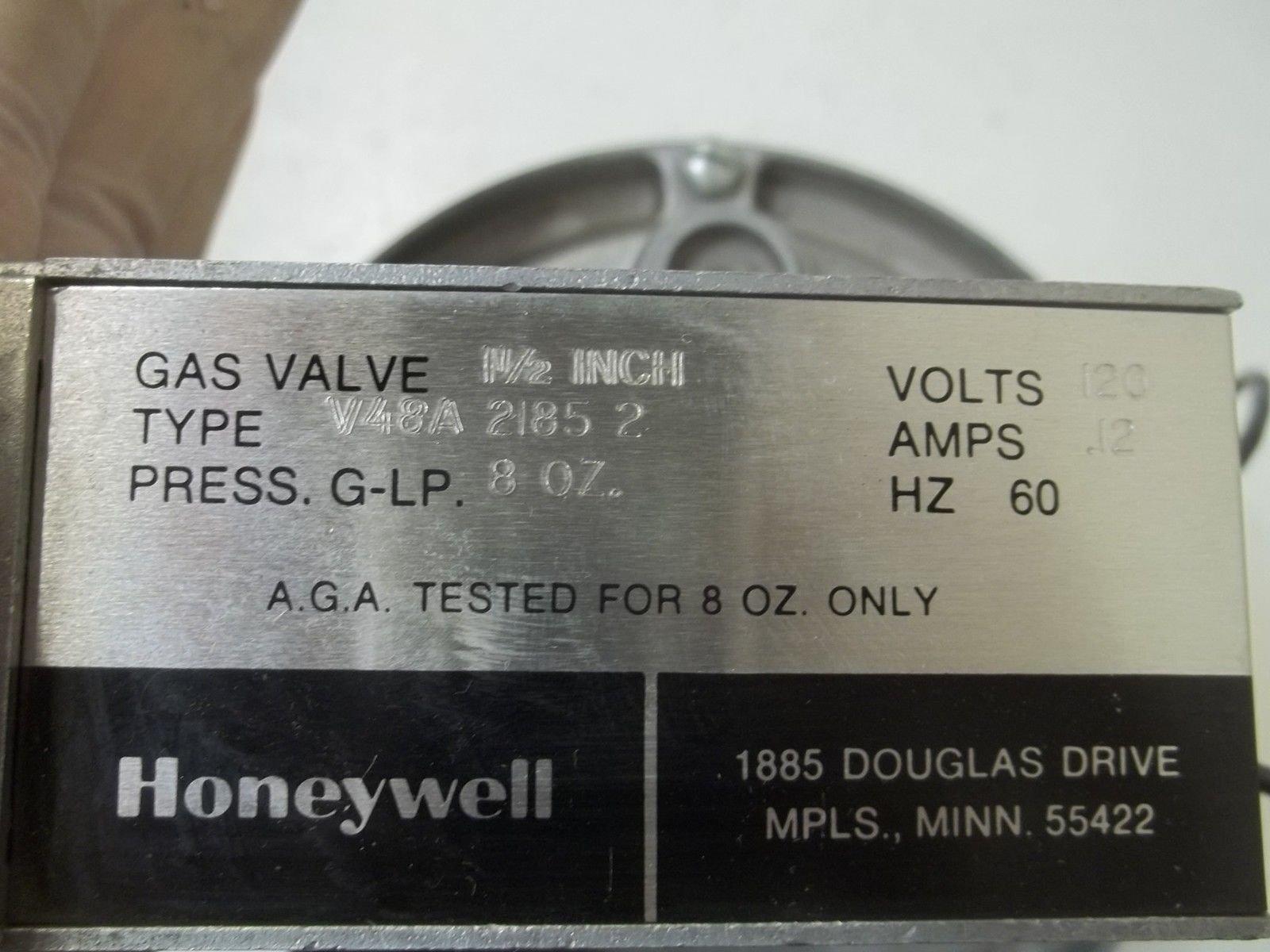 Honeywell, Inc. V48A2185 1-1/2 inch Diaphragm Gas Valve, 120 Vac