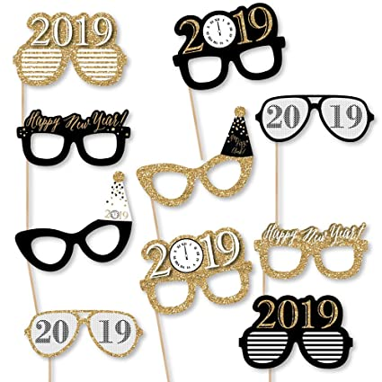 2d27592cb084 New Year s Eve Glasses - Gold - 2019 Paper Card Stock New Year s Party  Photo Booth