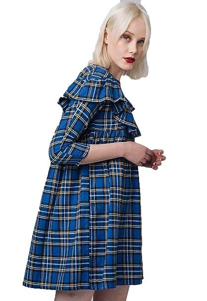 Cuadro mujer vestido azul