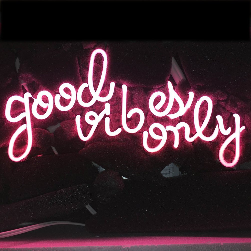 "LiQi ' GOOD VIBES ONLY' Real Glass Handmade Neon Wall Signs for Home Decor Wall Light Room Decor Home Bedroom Girls Pub Hotel Beach Cocktail Recreational Game Room (14"" x 8"",PINK)"