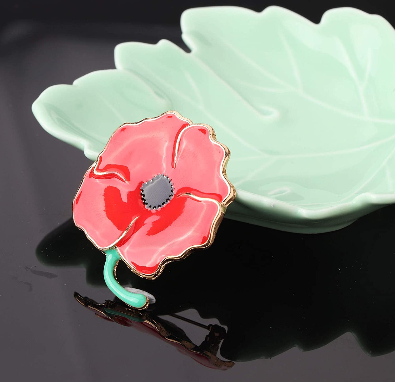 Subiceto 3 Pcs Red Poppy Brooch Pin for Women Men Lapel Badge Poppy Flower Pin Remembrance Day Lest We Forget Floower Badge Broach.