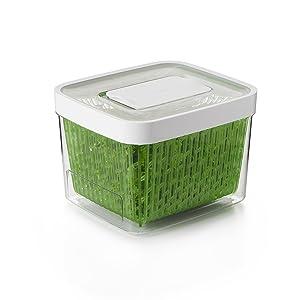 OXO GreenSaver Produce Keeper - Medium - Green