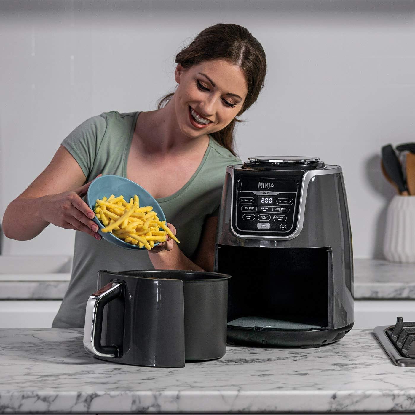 Non Stick Ceramic AF160EU Plastic Pan Coated Crisper Plate 6 Cooking Functions 1750W 5.2L 5.2 liters Ninja Air Fryer Max Grey//Black