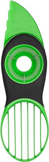 قطاعة الأفوكادو جود جريبس 3 في 1 من أوكسو - لون أخضر