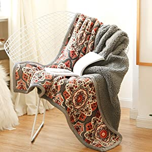 Ukeler Flannel Sherpa Throws 50'' x 60', Cute Floral Design Soft Plush Flannel Blanket Throws for Bed/Couch/Sofa/Office/Camping