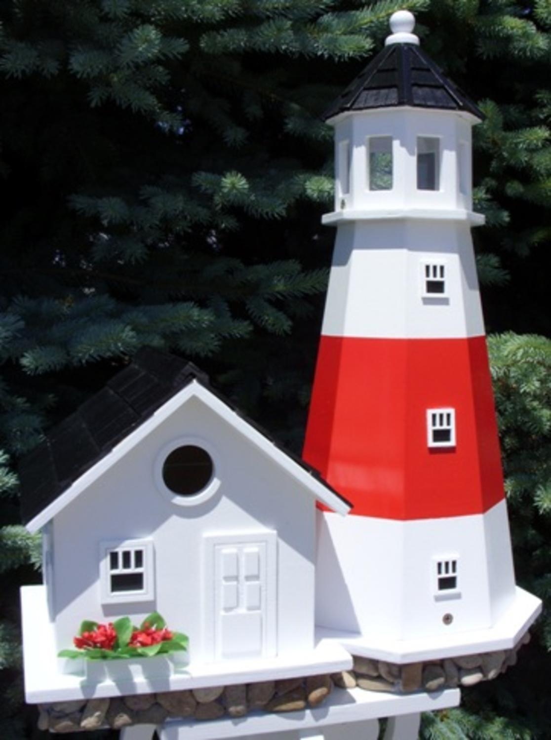 19.5'' White and Red Montauk Point Lighthouse Post-Mount Wild Birdhouse