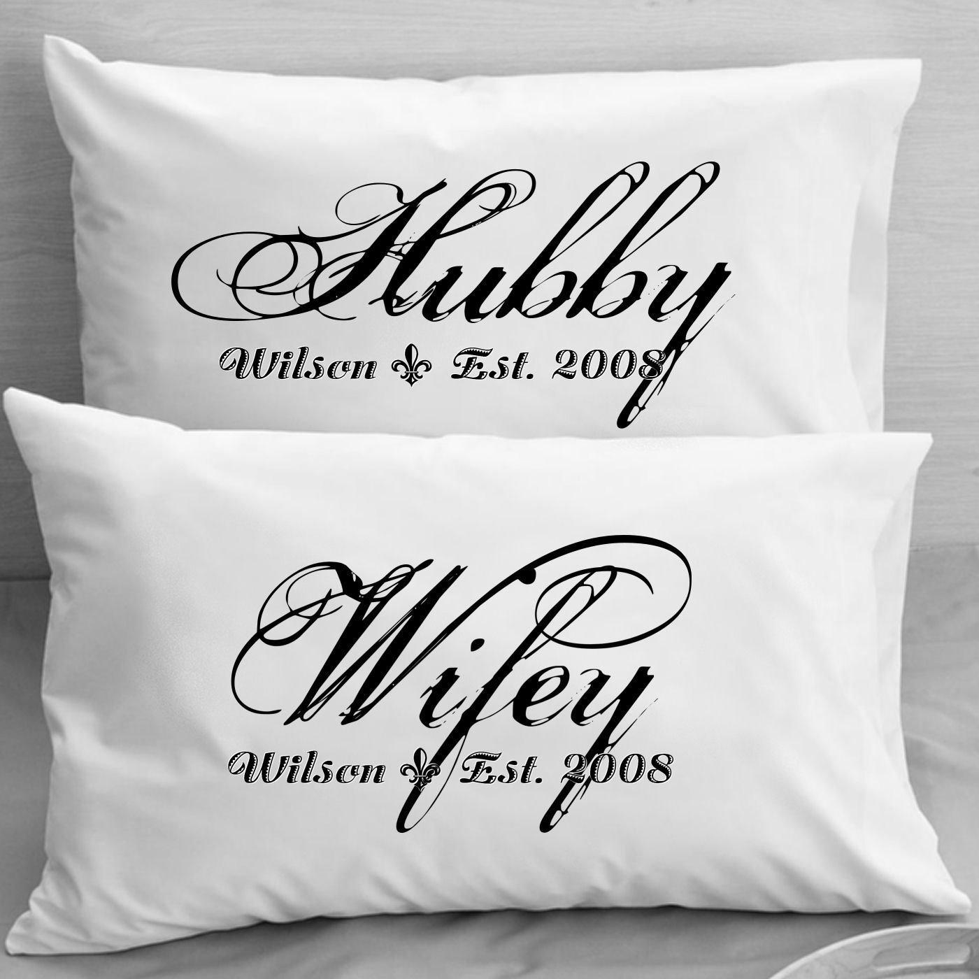 Amazon.com: Personalized almohada – WIFEY HUBBY – Parejas ...