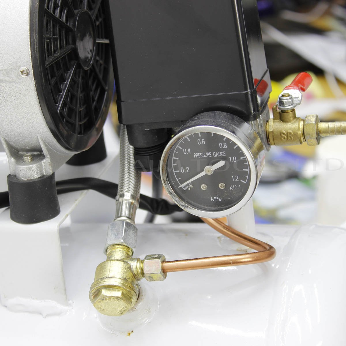 Compresor de Aire Silencioso 65DB 220V 1100W 24L para Garaje o Clínica - 241184: Amazon.es: Bricolaje y herramientas