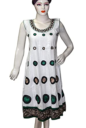 09451664a7ceaa Memoria Sleeveless White & Green Color Top Kurti With Golden Border Design  For Womens & Girls: Amazon.in: Clothing & Accessories