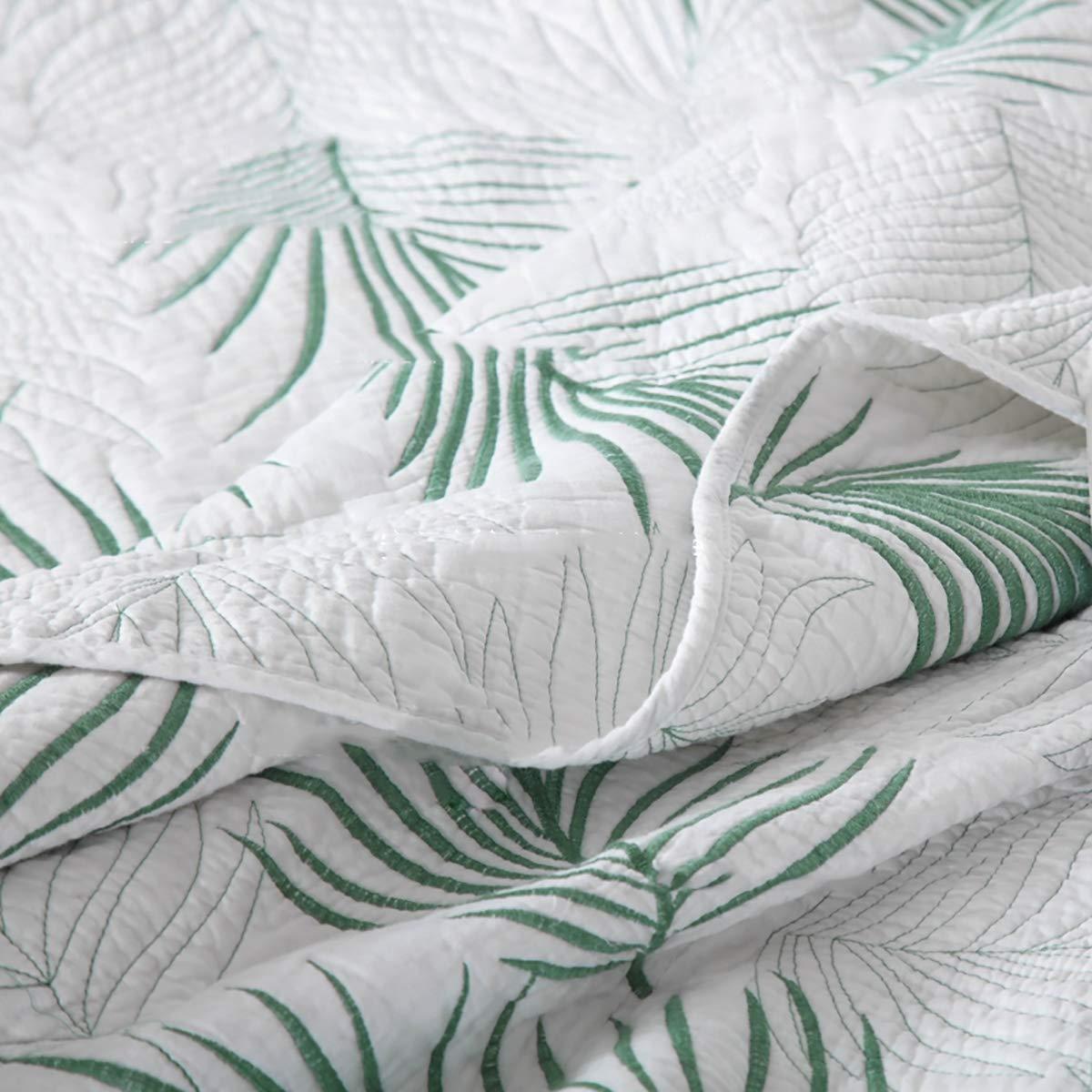 WDXN Couvre Lit Matelass/é Blanc 230 250Cm,Couvre Lit Boutis Feuille Verte Couvre-Lit D/ét/é Hypoallerg/énique en Trois Dimensions avec 2 Taies doreiller,White,230 250cm