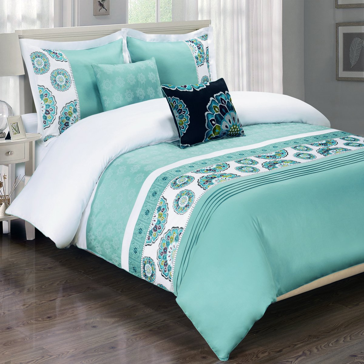 Queen Size Comforter Set, Aqua Blue and white