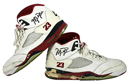 3b5e2803b5e351 Bulls Michael Jordan Signed 1990 Game Used Nike Air Jordan V Shoes ...