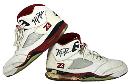 f6b60ed50052d Bulls Michael Jordan Signed 1990 Game Used Nike Air Jordan V Shoes BAS at  Amazon s Sports Collectibles Store