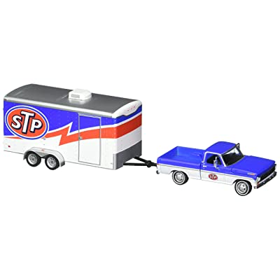 Greenlight 1:64 Hitch & Tow Series 12 - 1970 Ford F-100 and Enclosed Car Trailer - STP Racing: Toys & Games