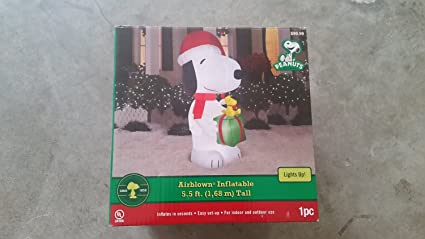 Snoopy And Woodstock Christmas Inflatable.Amazon Com Peanuts Airblown Snoopy Scene Woodstock Present