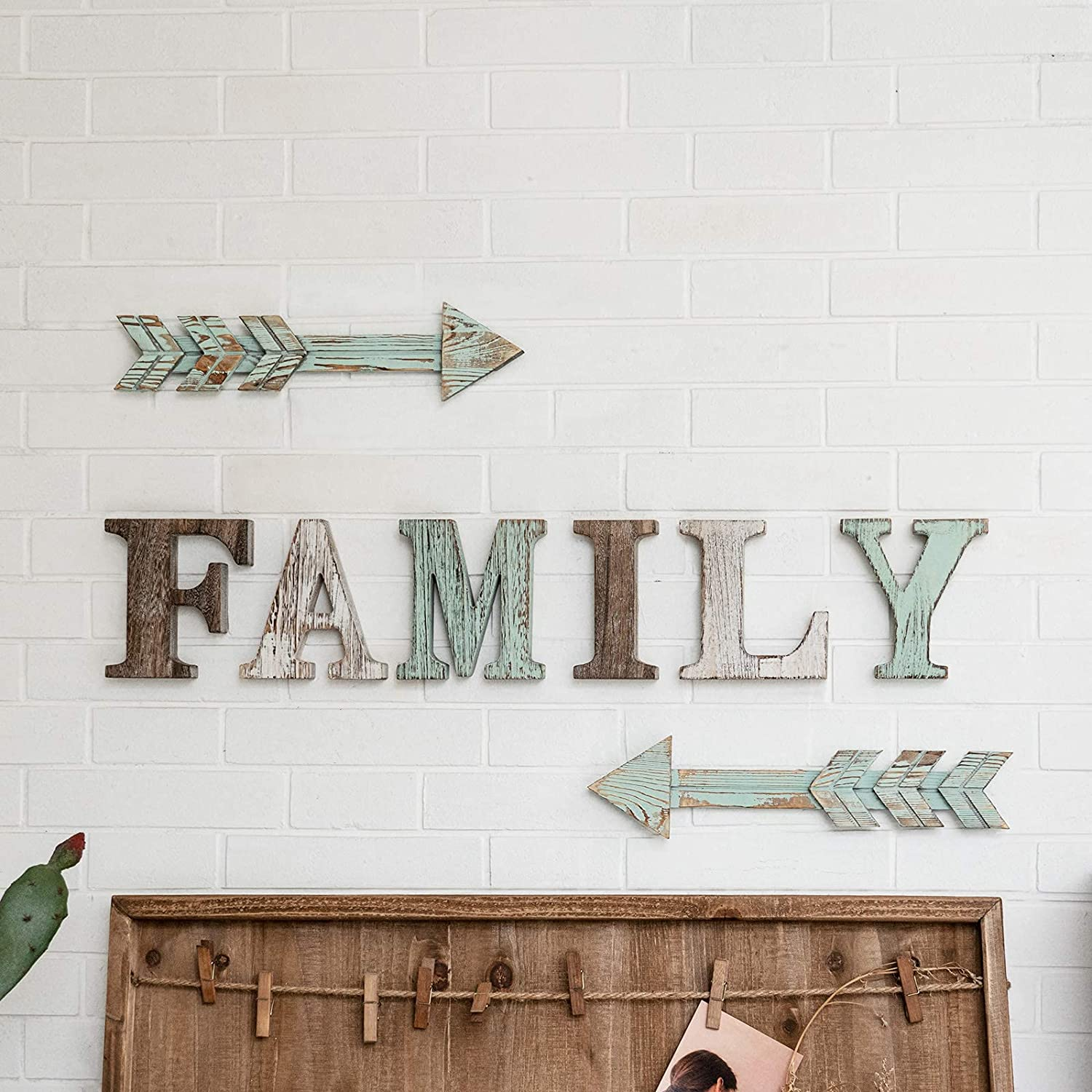 TIMEYARD Family Wooden Sign and Arrow Wall Decor Set of 2, Letters for Wall Decor Green Room Decor