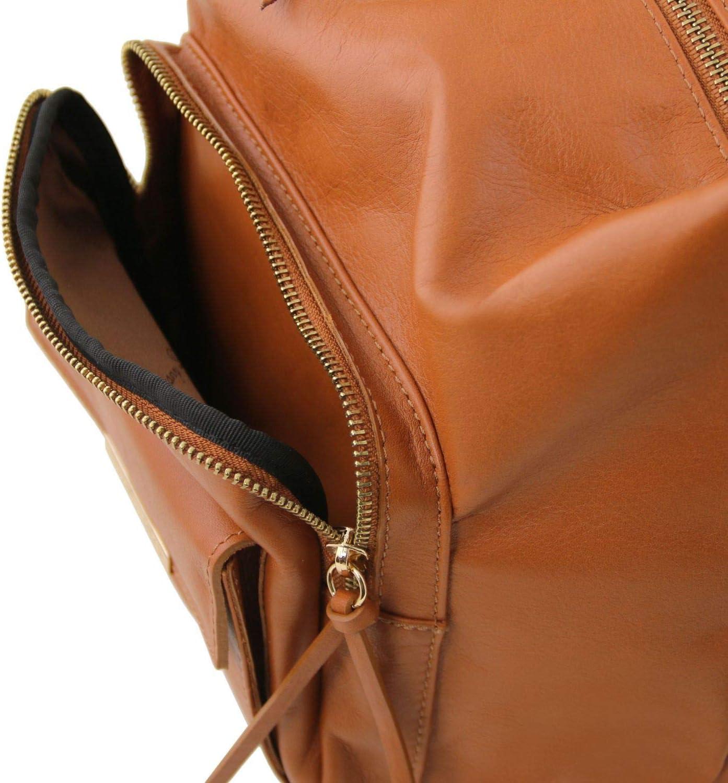 Tuscany Leather TLBag Borsa donna in pelle convertibile a zaino Talpa Cannella