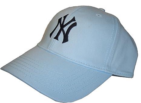 NEW YORK YANKEES. Cappuccio. Berretto da baseball. Perfetta vestibilità    Durata. Materiale 8e3b282c0900
