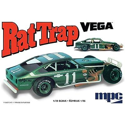 MPC 1/25 Chevy Rat Trap Vega Plastic Model CAR KIT: Toys & Games