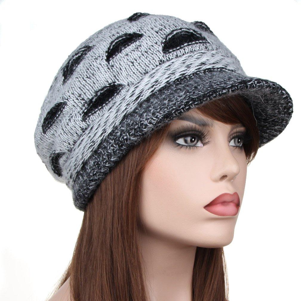 Amazon.com  YiTeng Women s Winter Warm Floppy Beanie Cap with Peak  Clothing 9dc38a33fcf