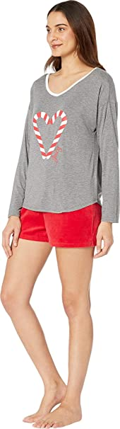 31f217818 Juicy Couture Women s Juicy Long Sleeve Top Velour Flare Shorts Set at  Amazon Women s Clothing store