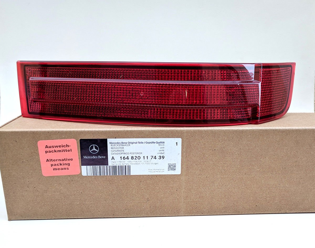 Mercedes Benz GL-Class Rear Bumper Reflector Left Driver Side From 2007-2009 GL320 GL450 GL550 Genuine New by Mercedes Benz
