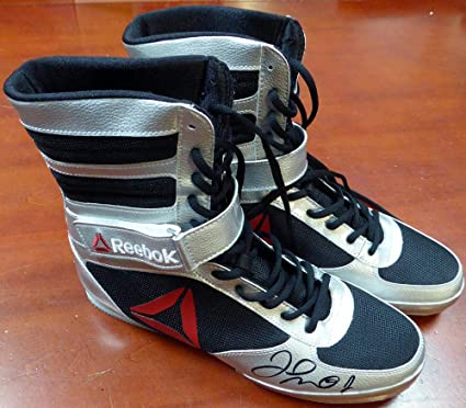 b2b40e7fba8f8 Floyd Mayweather Jr. Autographed Reebok Silver Boxing Shoes Beckett BAS  Stock  121801 - Beckett Authentication at Amazon s Sports Collectibles Store