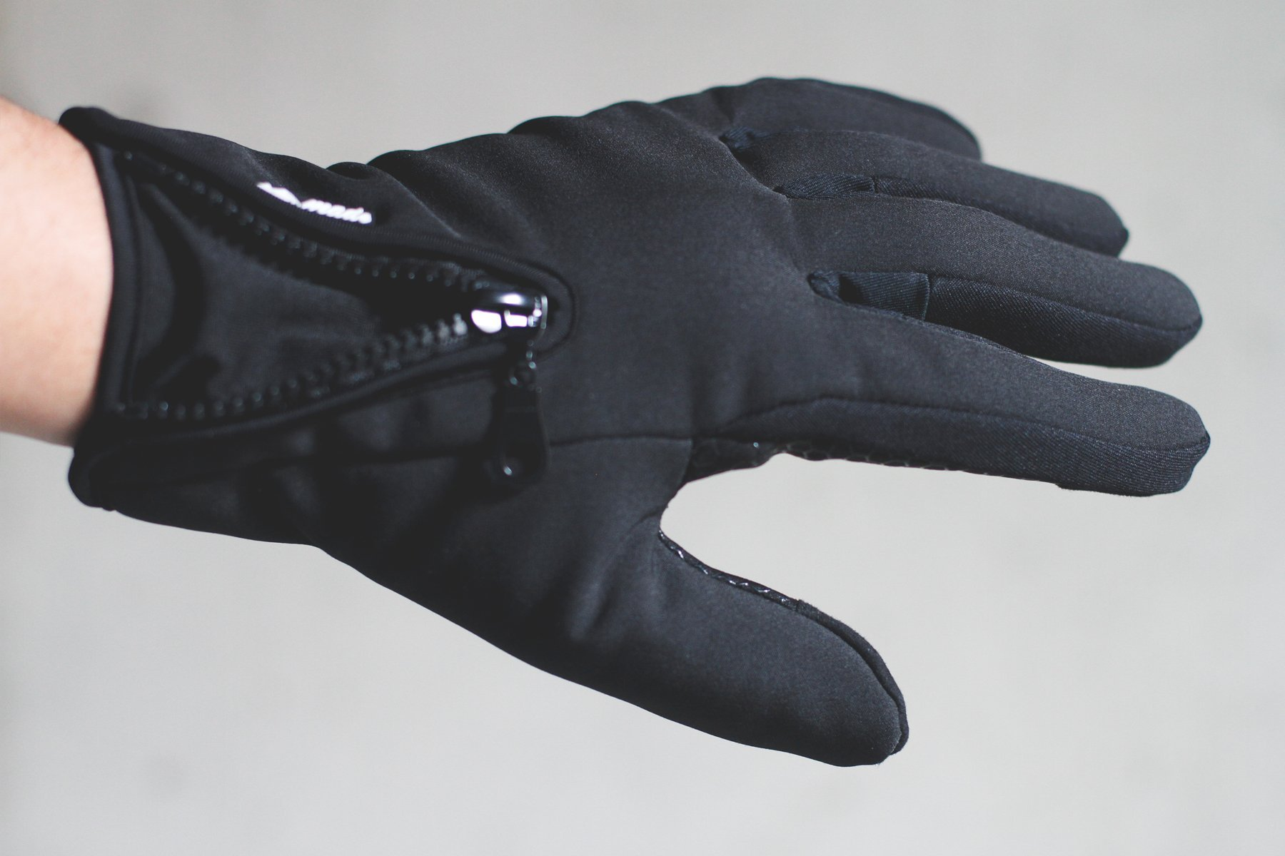 Mountain Made Cold Weather Gloves for Men and Women 2.0 with NEW UPGRADED ZIPPPERS,black,large by Mountain Made (Image #4)