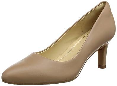 51865861a70 Clarks Women s Calla Rose Closed-Toe Pumps  Amazon.co.uk  Shoes   Bags