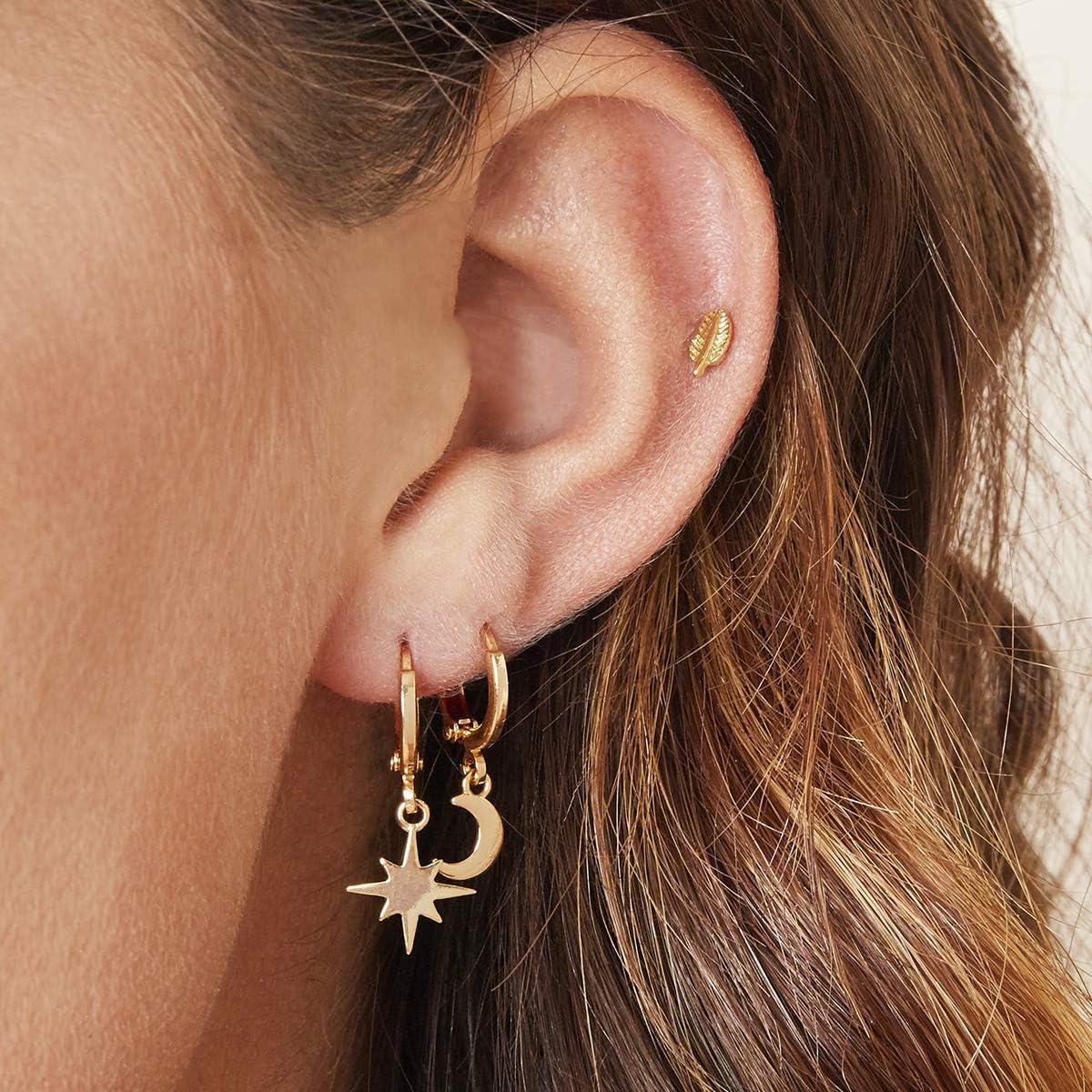 Boucles doreilles cr/éoles plaqu/ées or 18 carats avec petit pendentif demi-lune Huggie Hoops Design haut de gamme pour femme