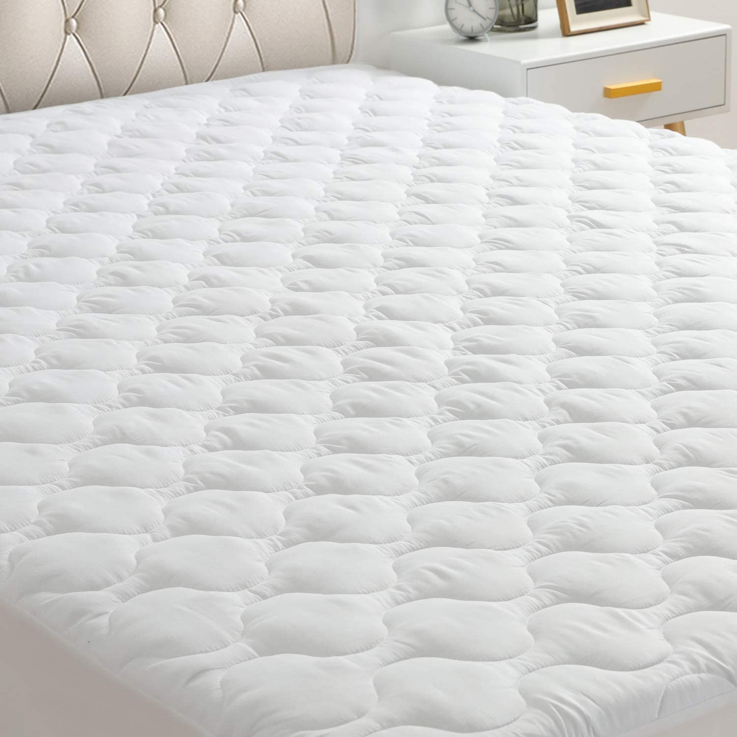 "HYLEORY Queen Mattress Pad Cover Stretches up 8-21"" Deep Pocket - Hypoallergenic Fitted Cooling Mattress Topper with Snow Down Alternative (White, Queen)"