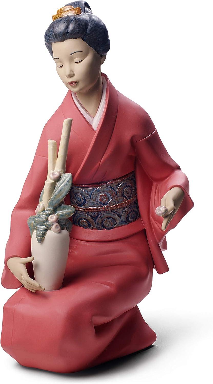 Figura Decorando El Ramo. Mujer de Porcelana