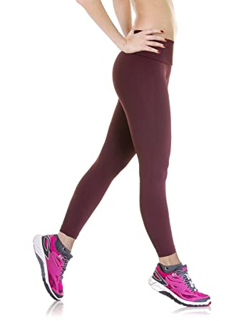 d0d52f57f Amazon.com  Lupo Women s Calca Strong Pant  Clothing