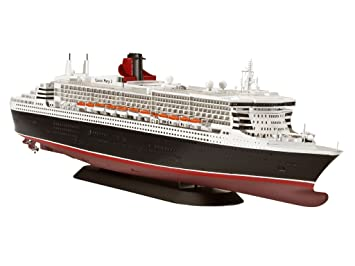Amazon.com: Queen Mary II Ocean Liner 1/700 Revell Germany ...