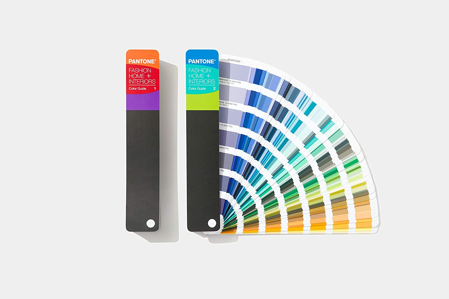 Pantone Color Guide for Fashion, Home & Interiors - 2020 Edition