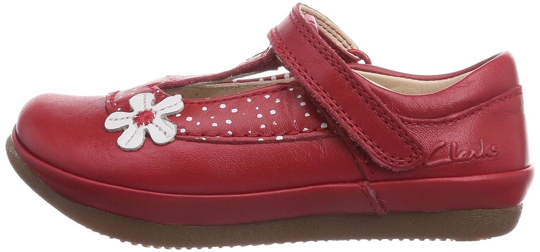 e70dc821712 Clarks Girl s Red First Walking Shoes - 7.5 Kids UK India (25 EU)  Amazon.in   Shoes   Handbags