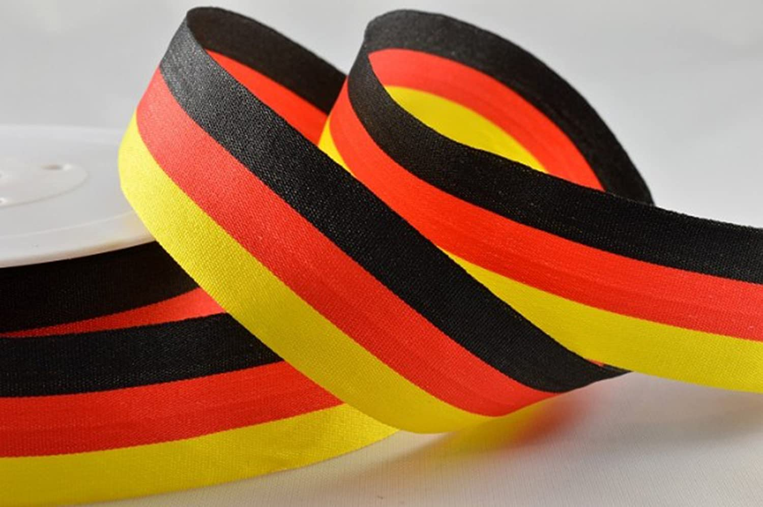 BEST German flag colours striped ribbon (tricolour) Black/red/yellow 25mm x 1 Mtr cut from roll, beautiful ribbon, ideal for gift wrapping presents, tree decoration, making cards, general decoration, celebrations, parties, arts and crafts. Fast service, q
