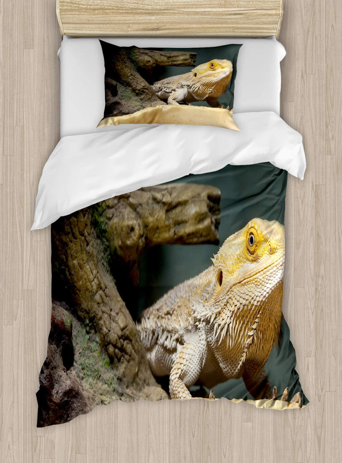 Lunarable Bearded Dragon Duvet Cover Set, Photo of Wild Lizard Log Domestic Exotic Pet Animals Zoology Lover Pattern, Decorative 2 Piece Bedding Set with 1 Pillow Sham, Twin Size, Brown Green