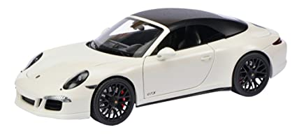 Amazon Com Porsche 911 Carrera Gts Cabriolet White 1 18 By Schuco