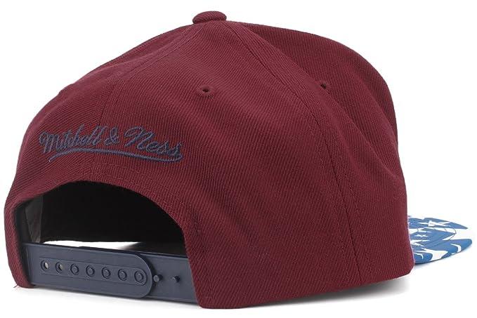 competitive price 8e0f9 4fdb3 ... store amazon mitchell ness nba mens reflective star visor snapback hat  one size atlanta hawks sports
