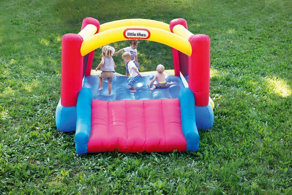 Little Tikes Inflatable Jump 'n Slide Bounce House w/heavy duty blower by Little Tikes (Image #11)