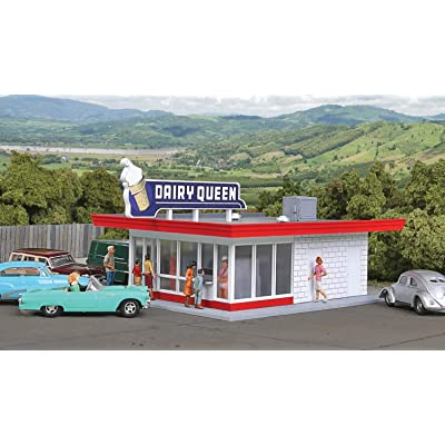 "Walthers Cornerstone HO Scale Model Vintage Dairy Queen Kit, 5-1/16 x 3-1/2 x 2-3/8"" 12.8 x 6cm: Toys & Games"