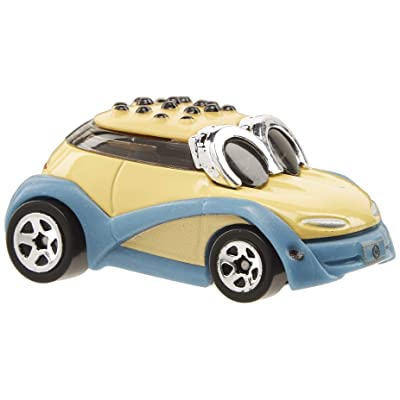 Hot Wheels Despicable Me Series 3 #3 Vehicle: Toys & Games