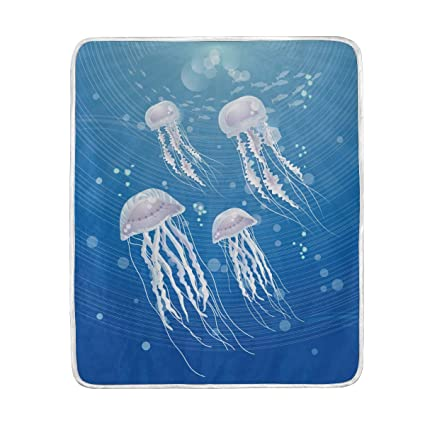 Amazon.com  Blue Ocean Jellyfish Throw Blanket for Couch Bed Living ... a2bfaae735